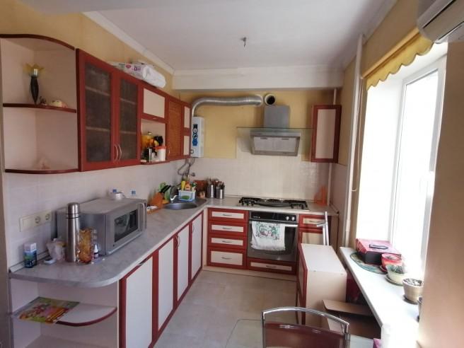 Двухкомнатная квартира на ул. Бутакова