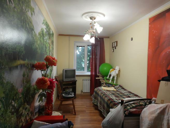 Трехкомнатная квартира на ул. Менжинского