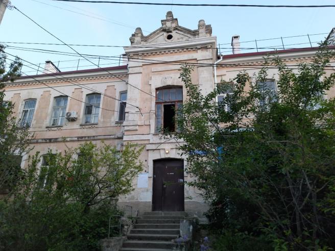 Трёхкомнатная квартира на ул. Будищева
