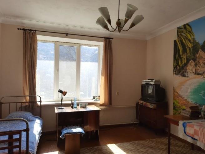 Трёхкомнатная квартира на ул. Яблочкова